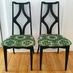 2 wood chairs refurnish with vintage fabric. 2 chaises mix and match, tissus vintage rehaussé par Mixxy Design