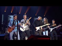 "The Eagles - Farewell Tour 1, Live in Melbourne. ""Dirty Laundry"" ... SO SO SO GOOD!!!"