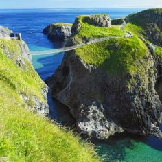 Carrick A Rede Rope Bridge Northern Ireland ( when it's very windy you don't want to be there)