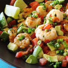Did someone say one skillet? Yup! One Skillet Shrimp with Tomato and Avocado. It's all the foods we love together in one healthy paleo-friendly gluten-free low-carb recipe! LINK IN OUR BIO By now you are fully aware of our love for all things avocado but did you know we also love shrimp? They are a low-calorie low-fat source of protein. Four ounces of raw shrimp has only 120 calories 27g of protein and 1g of fat. Now those are some killer macros for making meal prep dishes that fit your…