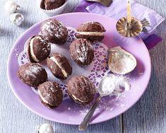 Zkuste povidlové kuličky, brusinková srdíčka a další nepečené cukroví - iDNES.cz Muffin, Breakfast, Cake, Desserts, Food, Morning Coffee, Tailgate Desserts, Deserts, Kuchen