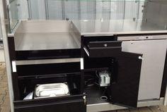 Flying Hot Dog Verkaufsstand : Verkaufsstände-RIBO GmbH Wall Oven, Kitchen Appliances, Hot, Vendor Table, Diy Kitchen Appliances, Home Appliances