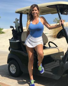 Cindy Estrada best photos the golf carts. A golf player and a mother who is actively taking photos on the golf carts. Sport Treiben, Sport Girl, Girls Golf, Ladies Golf, Sexy Golf, Golf Outfit, Athletic Women, Hot Girls, Sexy Women