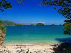 The beauty of Hundred Islands National Park