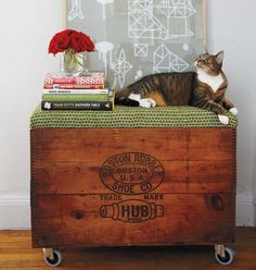 Make And Do the Design*Sponge way: Rolling storage bench