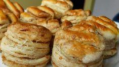 Zaručene najlepšie oškvarkové pagáče: To cesto je také ľahučké a výborné, že aj na druhý deň sú ako čerstvo upečené! Hungarian Cuisine, Hungarian Recipes, Silvester Party, Bread And Pastries, Food 52, Main Dishes, Biscuits, Muffin, Food And Drink
