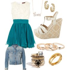 Cute dress with wedges and gold jewlery