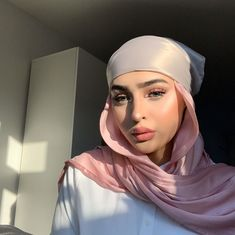 Hijabi Girl, Girl Hijab, Hijab Outfit, Modern Hijab Fashion, Hijab Fashion Inspiration, Women's Fashion, Head Scarf Styles, Muslim Hijab, Square Scarf