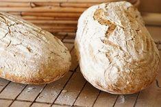 Chleb na zakwasie ze słonecznikiem i siemieniem lnianym