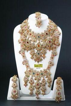 a7984cb42c0 242 melhores imagens de jóias indianas