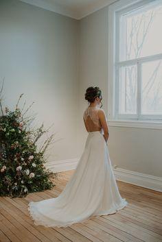 Crédit photo : Mylène Michaud Photrographe Wedding Dresses, Fashion, Two Piece Dress, Unique Dresses, Dress Ideas, Lace, Bride Dresses, Moda, Bridal Gowns