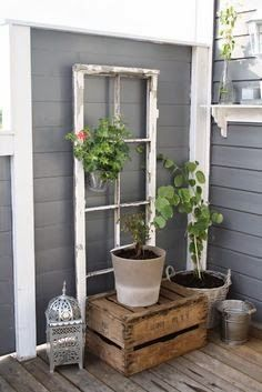 Little Brags: Decorating With Old Windows - All For Garden Antique Windows, Vintage Windows, Decor With Old Windows, Old Window Frames, Window Ideas, Garden Windows, House With Porch, Old Doors, Porch Decorating