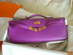 #Kelly Cut Color: Violet Leather: Tadelakt Hardware: Gold