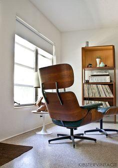Plycraft chair.  #midcenturymodern #plycraft #vinyl