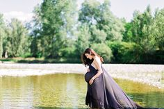Italian Countryside Maternity Session #leannerosephotography #babybump #maternityphotography