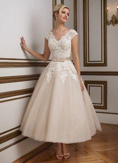 9ae7c68fb61 Tea Length Spitze Detail A-lien Kurz Champagner Tüll Brautkleid  Hochzeitskleid Spitze