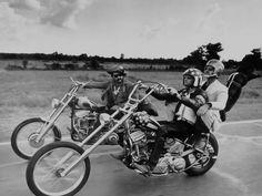 "Dennis Hopper, Peter Fonda, Jack Nicholson on chopper. ""Easy Rider"" directed by Dennis Hopper. American Chopper, Vintage Motorcycles, Harley Davidson Motorcycles, Custom Motorcycles, Custom Bikes, Harley Panhead, American Motorcycles, Honda Motorcycles, Easy Rider"