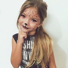 20 Halloween costumes for the little ones in the family - Kostüme - # family . - Schminken - 20 Halloween costumes for the little ones in the family – Kostüme – - Cheetah Face Paint, Cheetah Makeup, Kitty Face Paint, Animal Makeup, Cat Face, Girl Face Painting, Face Painting Designs, Painting For Kids, Easy Face Painting