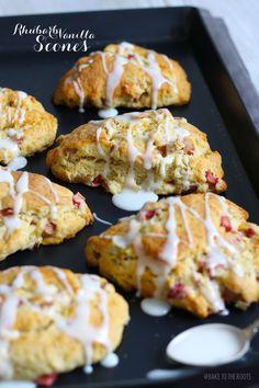 Rhubarb Vanilla Scones by Bake To The Roots Rhubarb Desserts, Köstliche Desserts, Delicious Desserts, Dessert Recipes, Yummy Food, Healthy Rhubarb Recipes, Breakfast Scones, Breakfast Recipes, Rhubarb Scones