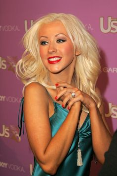 Top 40 Most Beautiful Hair Looks of Christina Aguilera – Celebrities Female Beautiful Christina, Beautiful Ladies, Non Plus Ultra, Blonde Hair Looks, Christina Aguilera, Female Singers, Down Hairstyles, Hollywood, Actresses