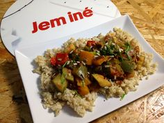 Ratatouille s bylinkami a celozrnnou ryžou Ratatouille, Ale, Grains, Canning, Cook, Diet, Ale Beer, Home Canning, Seeds