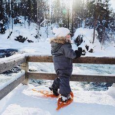 """""""LAPPLAND MIT KINDERN ERLEBEN: Der Reiseguide für dein einzigartiges Familienabenteuer in Ruka-Kuusamo"""" ist jetzt online am Blog! ❄️ So viele wunderschöne Bilder und Details zu unserer Reise... alles da! Wenn du noch Fragen hast, stell sie liebend gerne! Ich freu mich darauf, den Artikel zu ergänzen! ✈️ Link im Profil! 🌲 #miniandmetravels #visitfinland #rukakuusamo #laplandfinland #snowshoeing #reisenmitkindern #oulankanationalpark #lebenmitkindern #gemeinsamwachsen #finnland…"""