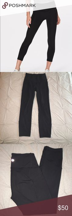 cc9893bbde7a2d Lululemon All The Right Places Crop Size 4 good condition Lululemon leggings!  Slight pilling on