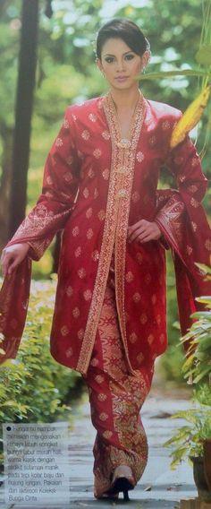 Kebaya Songket Tradisi Melayu