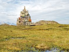 Surreal Homes by Matthias Jung – German-based graphic designer Matthias Jung creates imaginative houses, that we'd like to encounter in real life. He calls his creations 'architectural short poems', that aim to visualize another perspective on how we could see the world and live in it. The homes are put together from photo material that he collects and re-arranges in unexpected ways. You can find more of his works on his website,