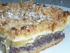 Apfel-Blechkuchen mit Pudding und Mohn