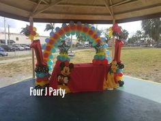 Mickey Mouse and Minnie Mouse Decorations on Joe Sherron Park Shelter 2.Indoor party rental. www.fourjparty.com www.fourjeventsclub.com  #fourjeventsclub #fourjparty #miami #decoration #tent #party #babyshower #birthday