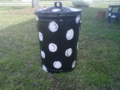 Let's Talk Trash! I would like colored polka dots with glitter on mine! for kitchens, decks, beach or river house, backyard, or brighten up a dull garage! Painted Trash Cans, Porch Furniture, Garbage Can, River House, Metal Tins, Little Houses, Nifty, Outdoor Gardens, Man Cave