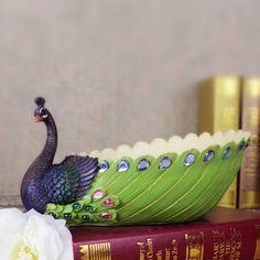 Moda decoração de pavão bandejas bandeja de doces prato de frutas decoração presente de casamento em Tabuleiros de Armazenagem de Casa & jardim no AliExpress.com   Alibaba Group Vase Crafts, Clay Crafts, Diy And Crafts, Crafts For Kids, Arts And Crafts, Spiritual Decor, Peacock Decor, Wedding Plates, Indian Crafts