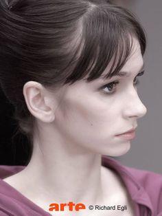 Polina Semionova Polina Semionova, Modern Dance, Falling In Love, Ballerina, Pearl Earrings, Ballet, Beauty, Jewelry, Dancers