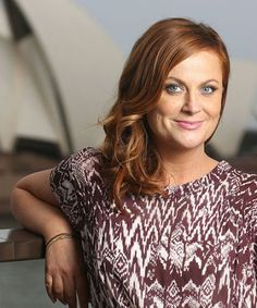 "Amy Poehler describes life as ""being attacked by a bear"" and it was PERFECT"