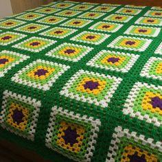 61 Ideas Crochet Granny Square Blanket Easy Free Pattern Yarns For 2019 Granny Square Pattern Free, Granny Square Crochet Pattern, Crochet Squares, Crochet Patterns Amigurumi, Crochet Blanket Patterns, Crochet Granny, Free Pattern, Crochet Bedspread, Crochet Cushions