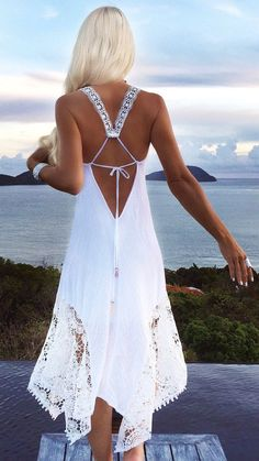 "diy_crafts-Love the back of this white dress ""Boho chic bohemian boho style hippy hippie chic bohème vibe gypsy fashion indie folk dress - Are Yo Boho Chic, Hippie Chic, Bohemian Style, Hippie Style, Bohemian Dresses, Boho Gypsy, Beach Hippie, Gypsy Cowgirl, Bohemian Summer"