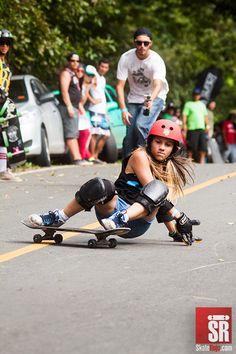 Estrenando el Sigma 150-500 mm -Grace Vargas, Festival Cermeño 2012   Skate Rojo