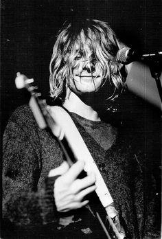 Kurt Cobain em 1991, no primeiro show em Seattle após o lançamento de 'Nevermind