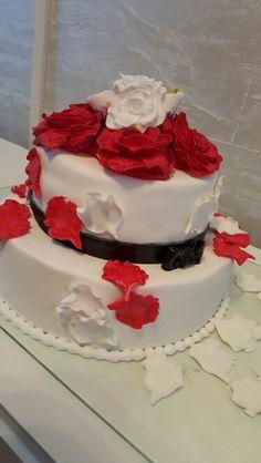 Wedding cake Wedding Cakes, Desserts, Food, Galaxies, Pies, Wedding Gown Cakes, Tailgate Desserts, Deserts, Essen