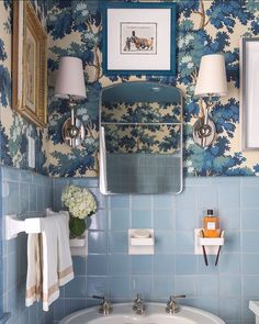 Add impact to a small bathroom powder room with a bold wallpaper, like this Sandberg Wallpaper design in blue. Bad Inspiration, Bathroom Inspiration, Vintage Bathrooms, Vintage Bathroom Decor, Bathroom Wallpaper Vintage, Blue Bathrooms, 1950s Bathroom, Bold Wallpaper, Vintage Tile