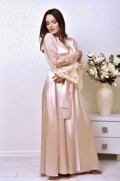 Long lace beige bridal robe Wedding long kimono robe Bridal dressing gown Maxi bride robe Bridal satin kimono Bride gift from groom - Night Dress - brautmode Satin Dressing Gown, Kimono Dressing Gown, Lace Bridal Robe, Wedding Lingerie, Bridal Gown, Wedding Underwear, Babydoll, Wedding Kimono, Pin Up