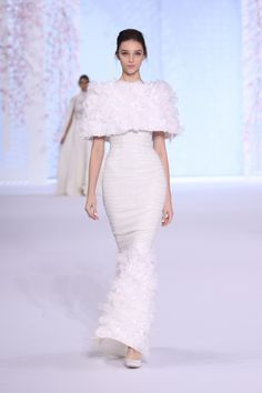 Ralph & Russo: http://www.stylemepretty.com/2016/01/31/wedding-dresses-paris-couture-runway/