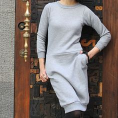 Sweatshirt Outfit, Sweatshirt Refashion, Diy Pullover, Sweatshirt Makeover, Diy Dress, Dresses With Leggings, Cozy, Sewing Ideas, Sewing Projects