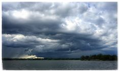 12 #storm #weather #rain #cloud #clouds #stormfront #boating #thousandislands #1000islands #river #pic #photo #mikephillipspic #photography