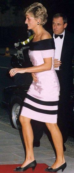 WE THOUGHT  YOU FANS MIGHT LIKE TO SEE THIS PHOTO OF DIANA AS AN INFANT!!