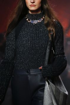https://www.vogue.com/fashion-shows/fall-2018-ready-to-wear/hermes/slideshow/collection