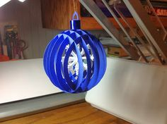 Papercrafts and other fun things: Sliceform Christmas Ball Ornament with a Snowflake Inside - free . Paper Ornaments, Ball Ornaments, Holiday Ornaments, Christmas Paper, Christmas Balls, Christmas Crafts, Winter Christmas, 3d Paper Snowflakes, Sliceform