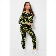 GREEN 2 PCS CAMOUFLAGE TRACKSUIT  -Women Fashion Tracksuit Hooded Tracksuit with Long Sleeve - Slim Fit Elasticated -Makes you looks chic, stylish, vibrant - Elasticated Drawstring with Cord - Classy high quality fabric, - Breathable, skin-friendly, comfortable to wear. Looks Chic, Daily Wear, Fashion Outfits, Womens Fashion, Camouflage, Swatch, Cord, Vibrant, Cable