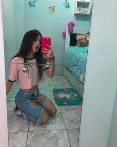👽🍃..  Idéia pra fotos Fake Tumblr, Tumblr Girls, Cute Poses For Pictures, Bff Pictures, Girl Photo Shoots, Girl Photos, Aesthetic Photo, Aesthetic Girl, Light Skin Girls